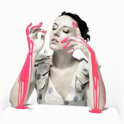 La copertina dell'album di Meg